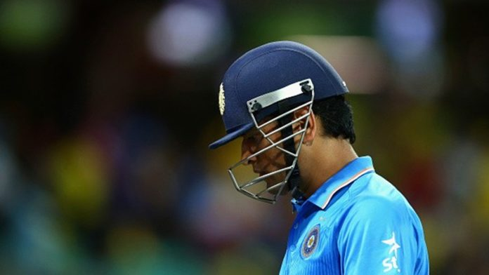Seeing M.S Dhoni crying hurts us more than Indian vs. New Zealand Outcome